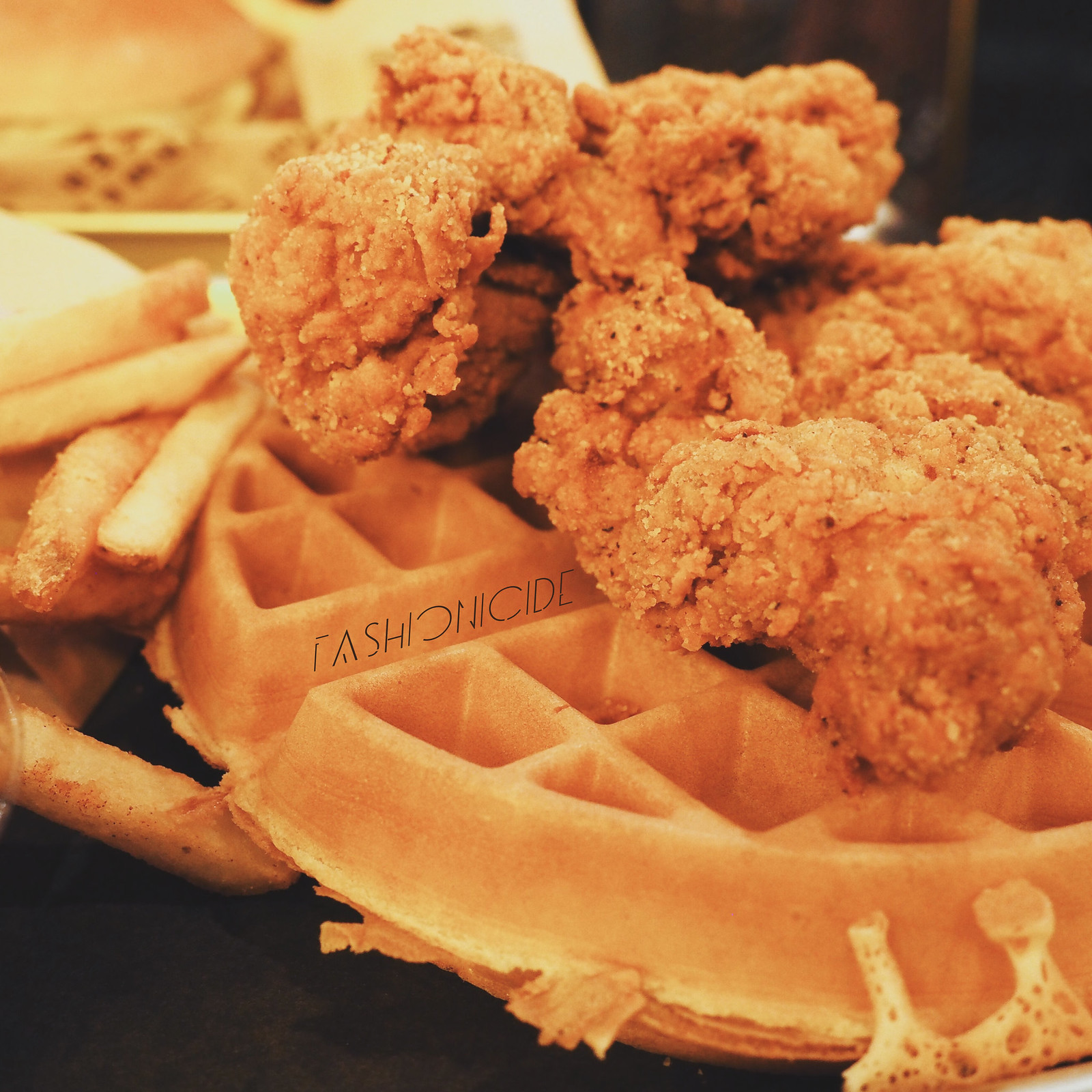 Halal American Buttermilk Dirty Chicken Waffle New Yorker Diner