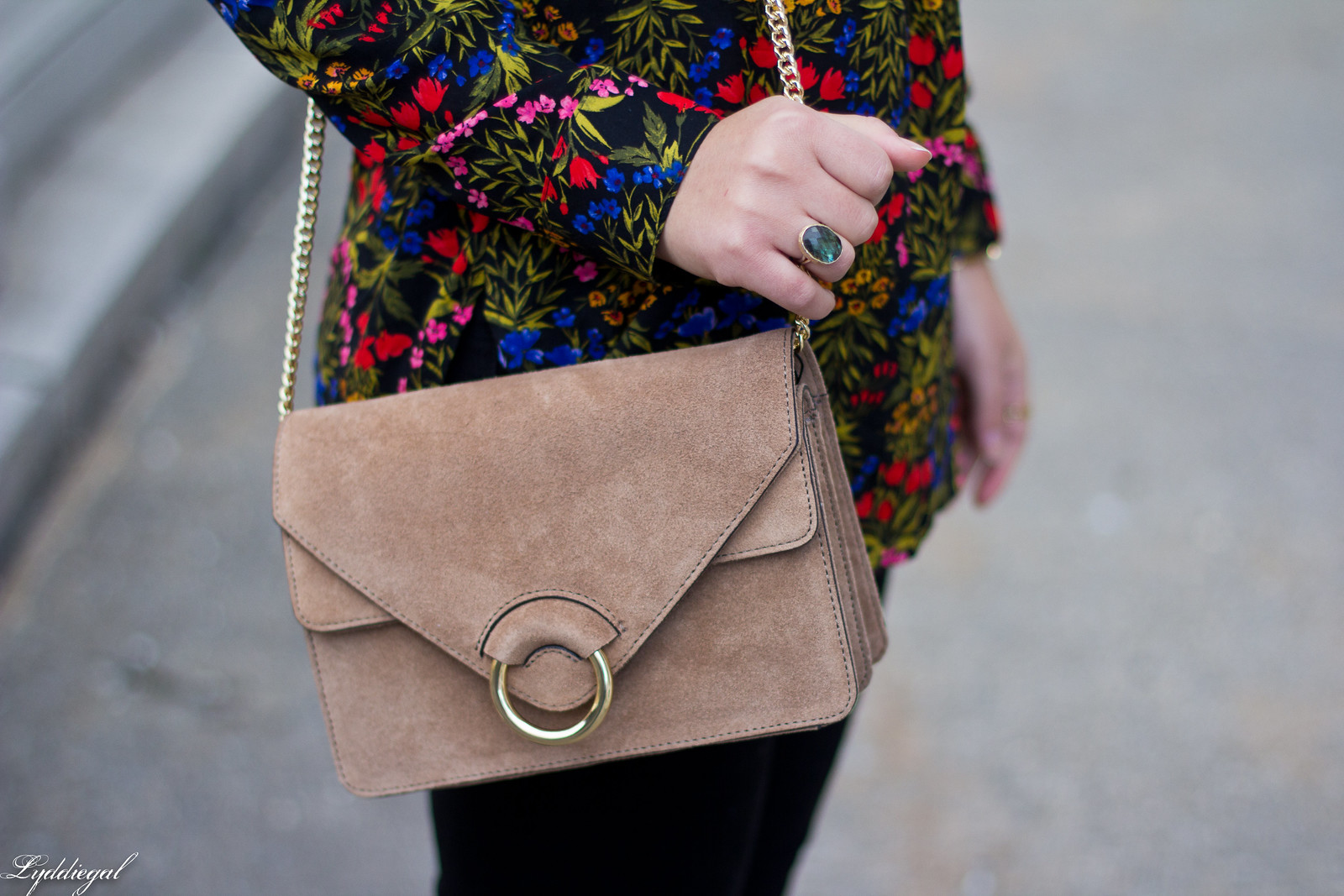 dark floral blouse, leopard pumps, banana republic accordion bag-6.jpg