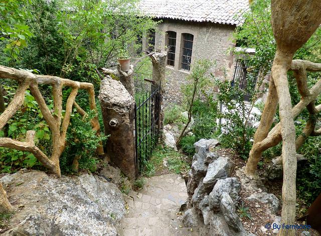 Jardins Artigas (La Pobla de Llillet) -10- La Gruta la Fuente de La Magnesia -01- Acceso (12-10-2016