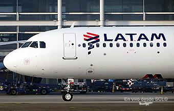 LATAM A321 CC-BEL taxi (RD)