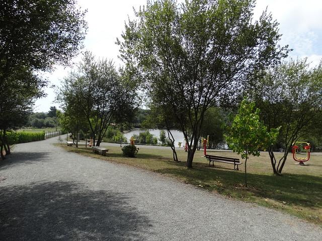 Parque en las Brañas de Valga en Visantoña en Mesía