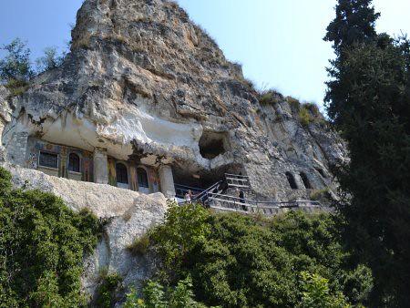 Manastirea Basarbovski obiective turistice Ruse 2