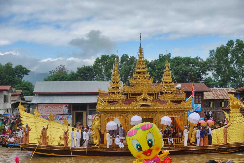 lac Inle Festival Phaung Daw Oo festival
