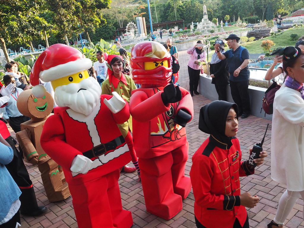 Santa Sleigh Parade