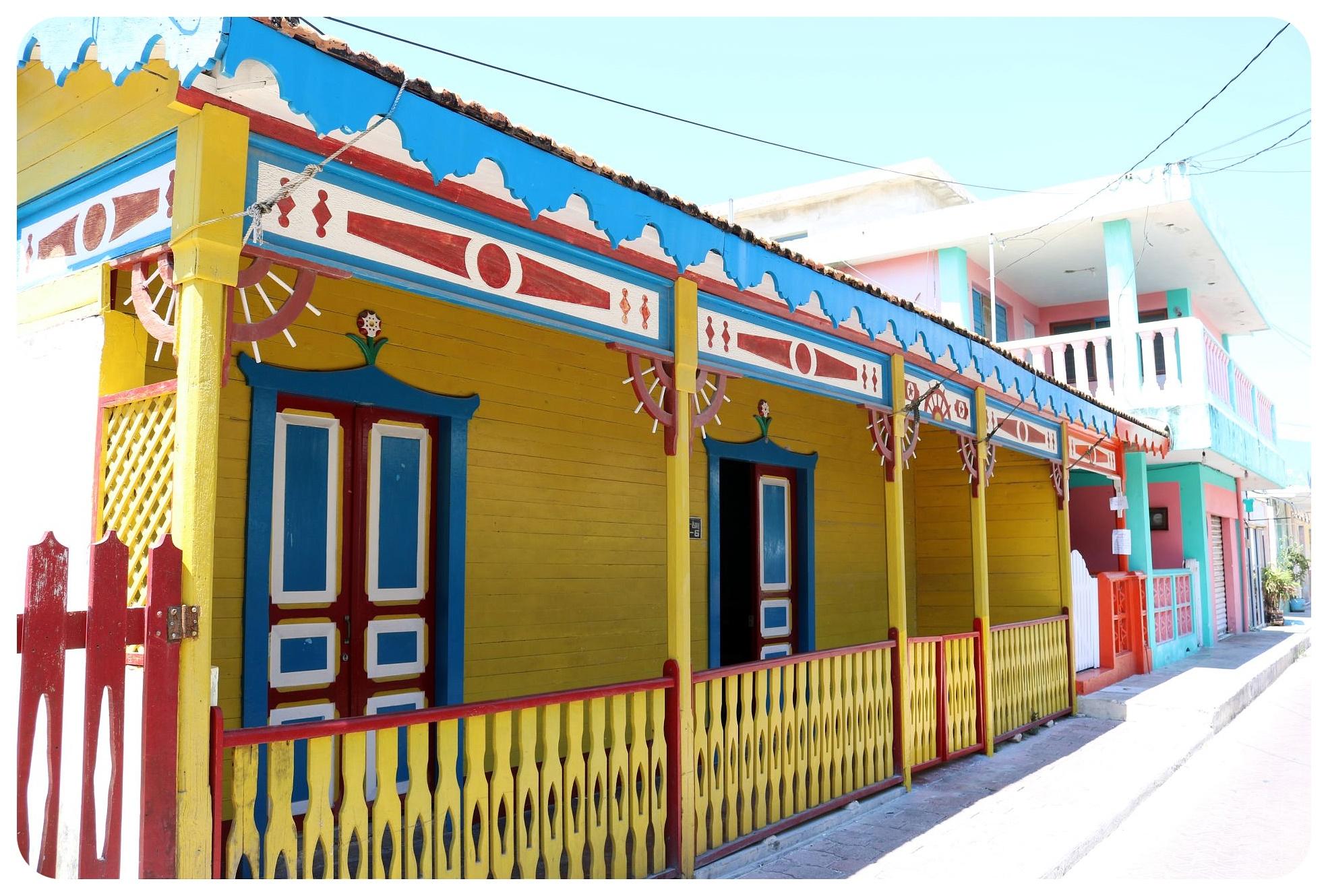 isla mujeres houses