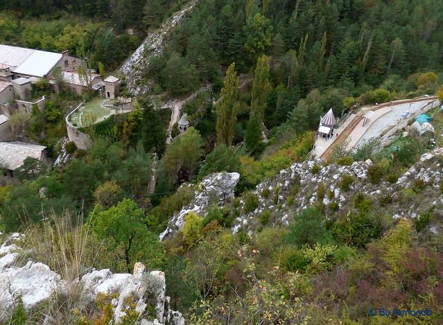 Jardins Artigas (La Pobla de Llillet) -17- Desde la carretera (12-10-2016
