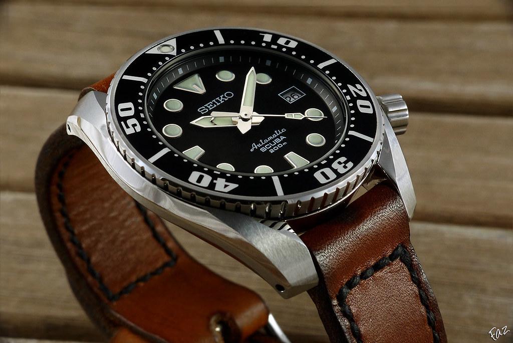 Cadran bleu -> quel bracelet cuir ? - Page 2 20171136503_fa324463e5_b