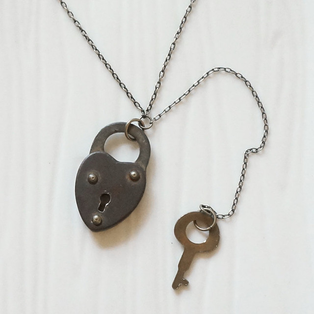 heart-lock-necklace-4