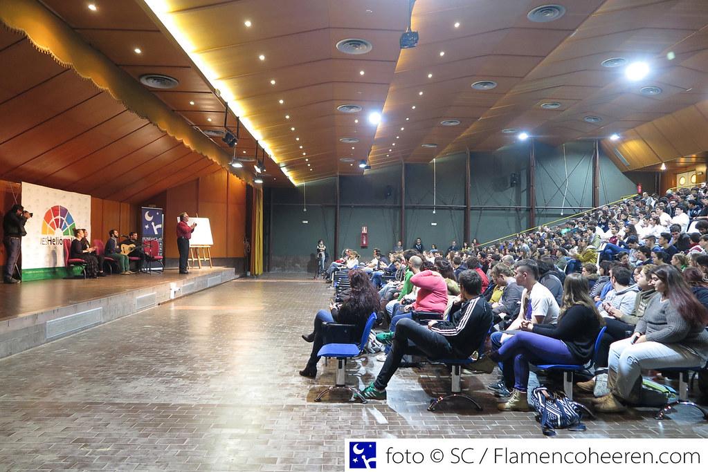 Día del Flamenco 2016. La Fundación Cristina Heeren imparte una Clase de Flamenco en el IES Heliópolis Sevilla