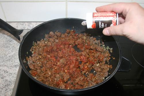 33 - Mit Gewürzen abschmecken / Taste with seasoning