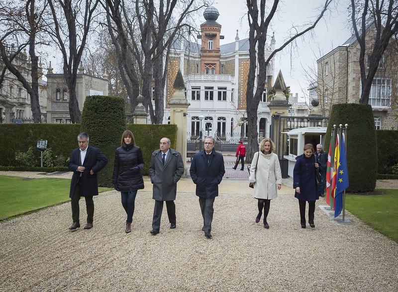 Los consejeros Socialistas prometen su cargo en Ajuria Enea