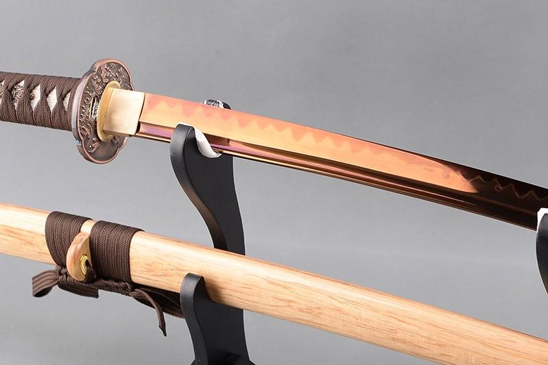 Golden-blade-samurai-sword-japanese-katana-2