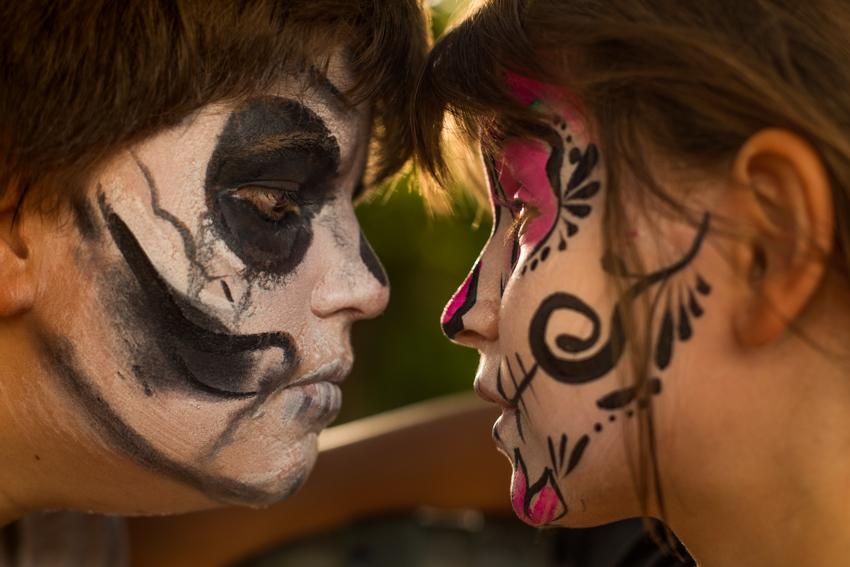 44/52 Fiestas : Halloween vs Dia de los muertos