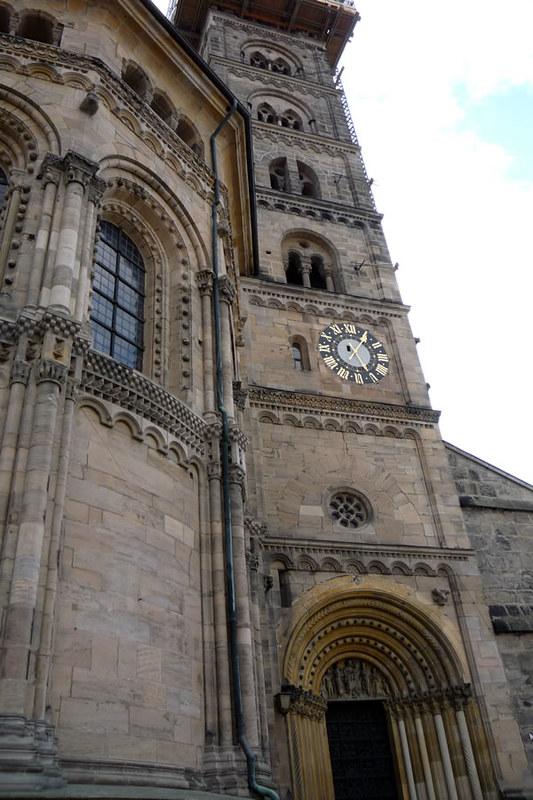 La puerta románico de la catedral de Bamberg
