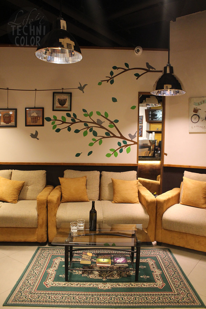 Qups Quarters Cafe