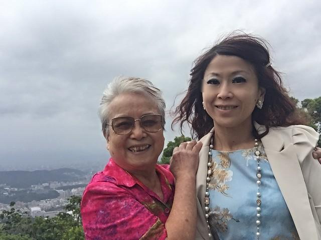 環保阿嬤與女雸約會草山 (9)