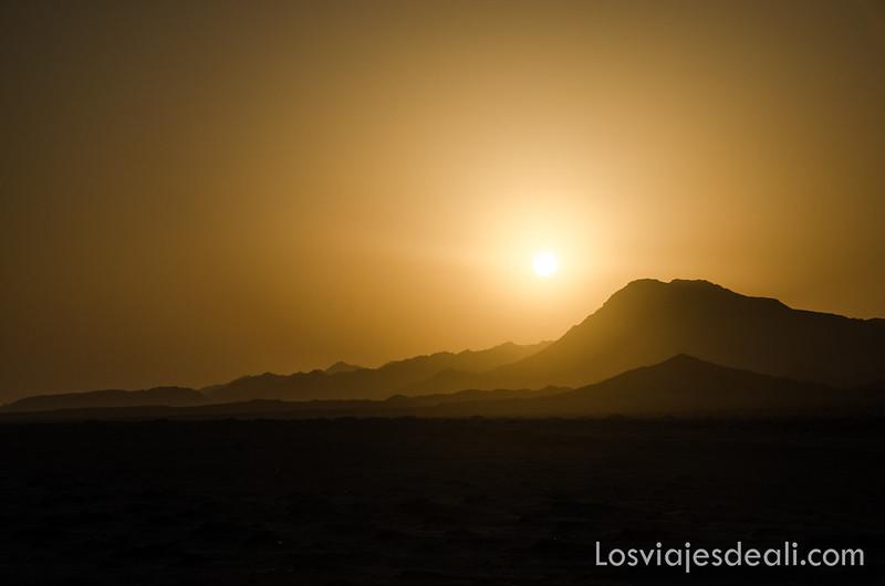 atardecer en la isla de Masirah