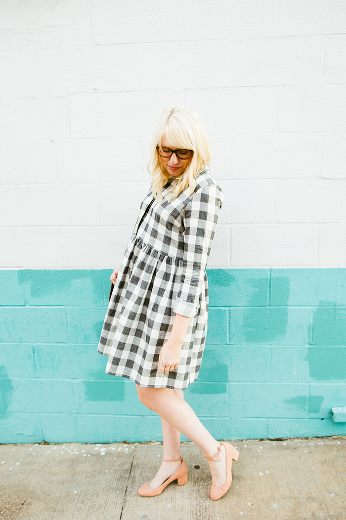 writes like a girl asos gingham smock dress blush block heels8