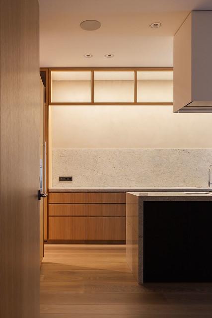 Restrained and luxury residence by Form Bureau Sundeno_04