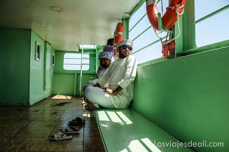 viaje a la isla de Masirah en ferry
