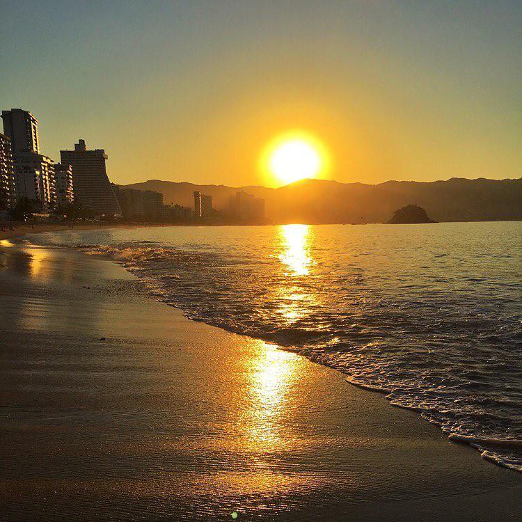 #FelizLunes Amigos #ViajemosTodosPorMéxico #Acapulco