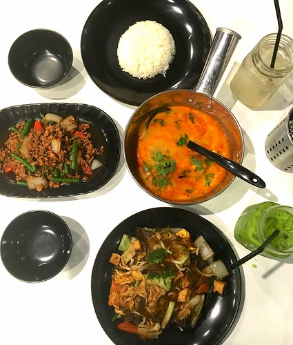 Thai food at Plus Sixty 6, Short Street, Singapore