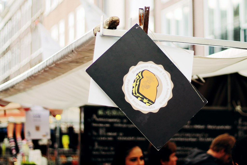 Drawing Dreaming - onde e o que comer em Amsterdão - Albert Cuyp Markt, tosti