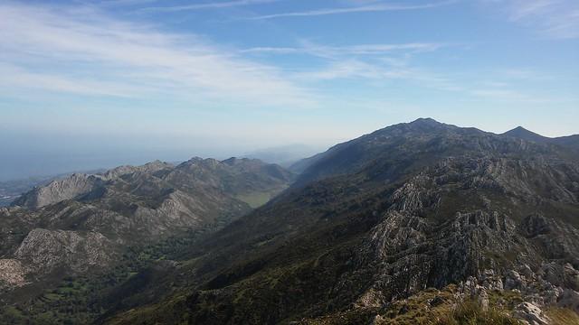 Pico Turbina y valle de Viango