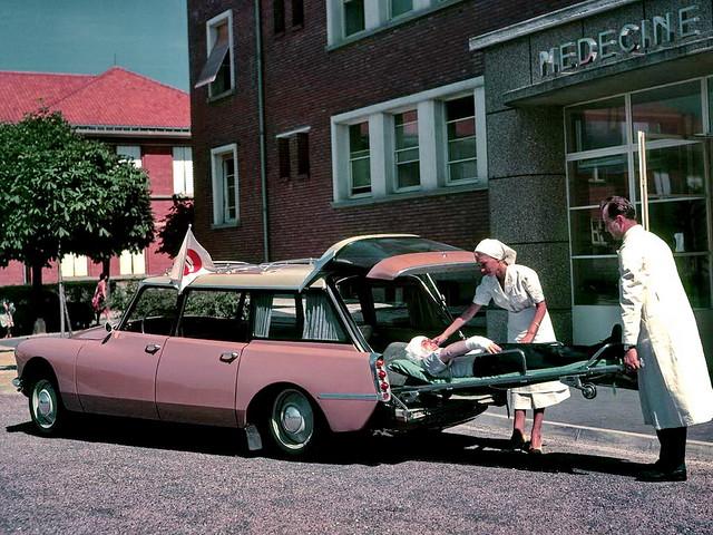 Citroen ID ambulance 1