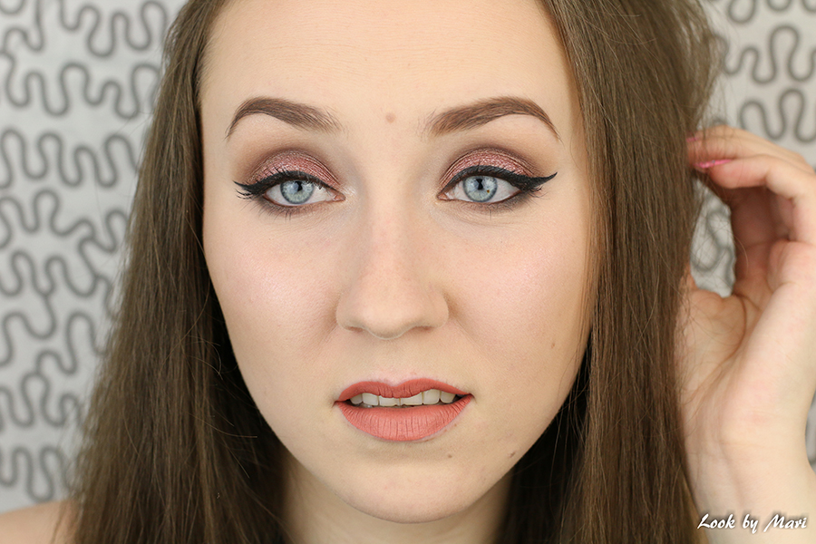 1 cat eye pink makeup look