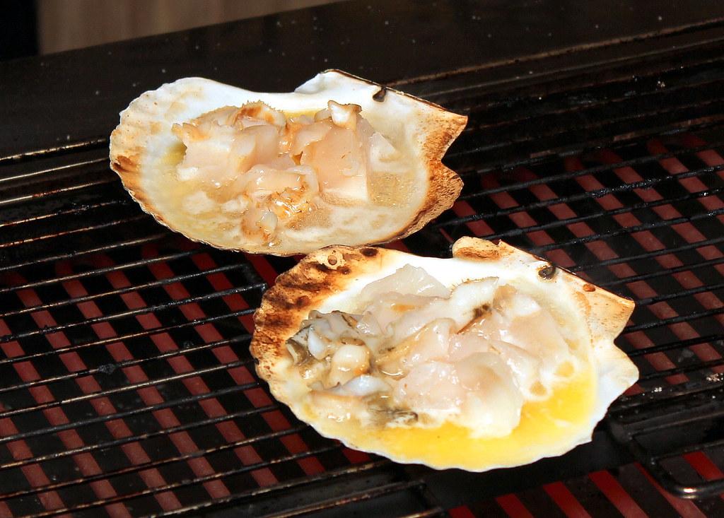 kurama-robatayaki-hotate-grilled