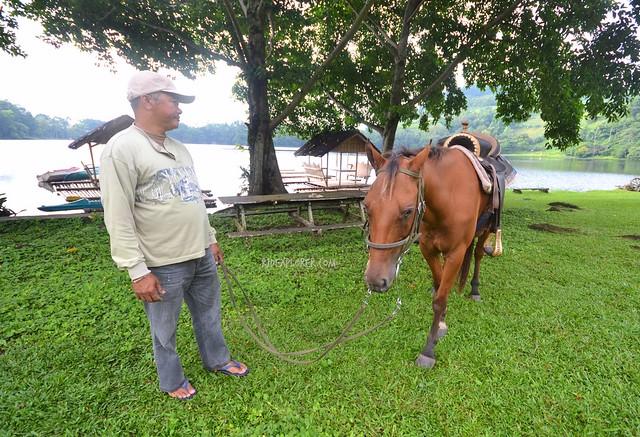 lake apo horseback riding