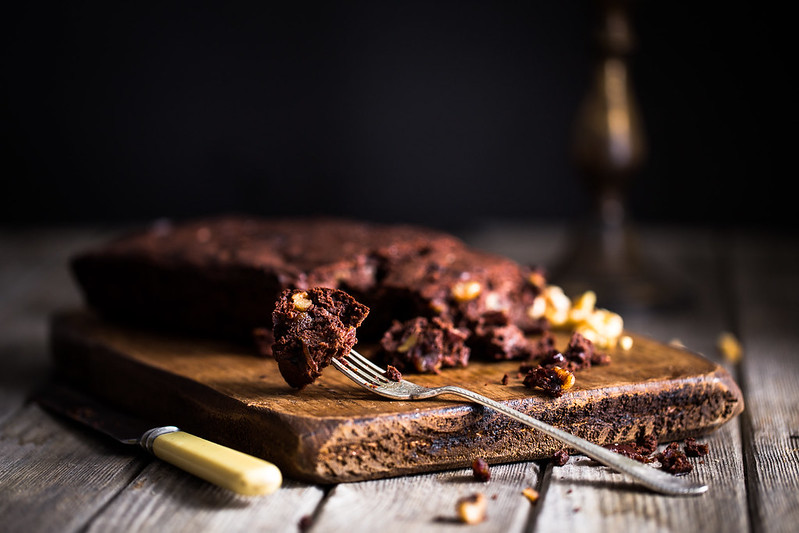 Low sugar dark chocolate spelt brownies