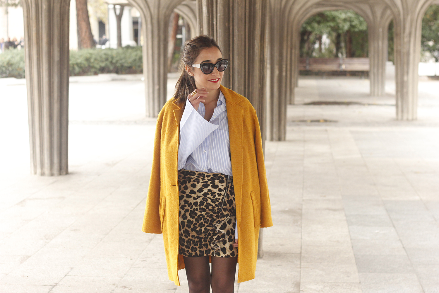 Leopard Skirt striped shirt black heels mustard coat fall outfit style fashion06