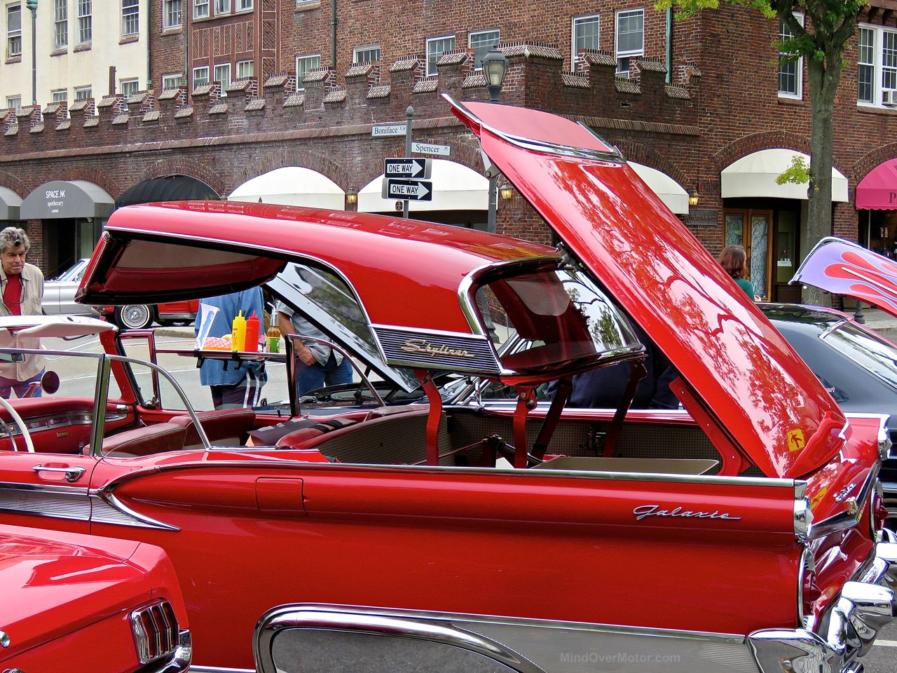 Ford Skyliner Scarsdale Concours
