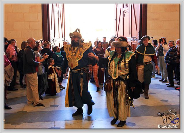 Fin de Semana Cidiano Ofrenda floral en la tumba del Cid (2)