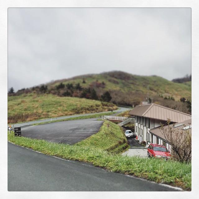 「景色が見えて来た。」 昼から少し視界が良くなって来ました。 #ミニチュア #しらさ峠 #ufoライン #ドライブ