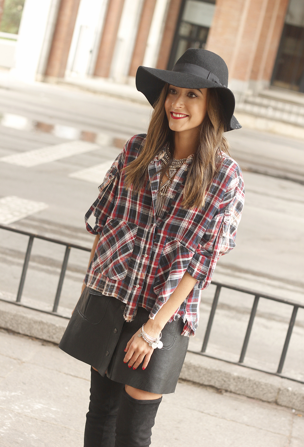 tartan shirt leather skirt over the knee boots accessories hat fashion outfit rainny day14
