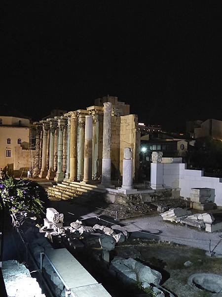 bibliothèque d'Hadrien, la nuit