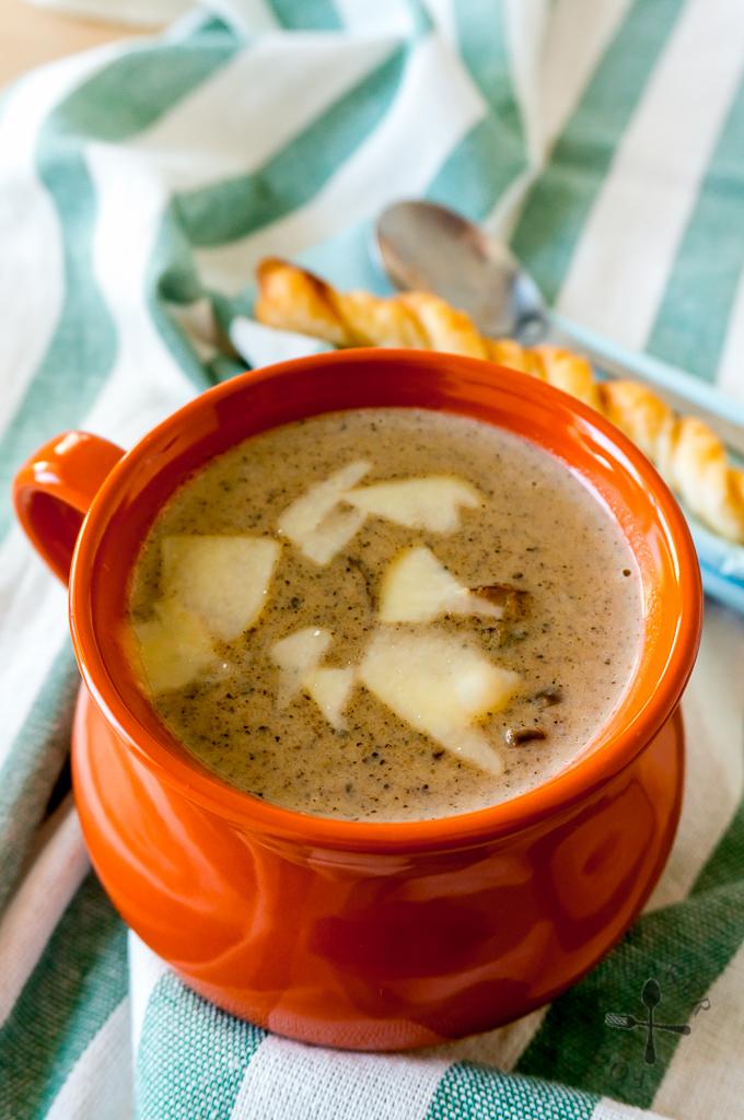 Creamy and Chunky Mushroom Soup