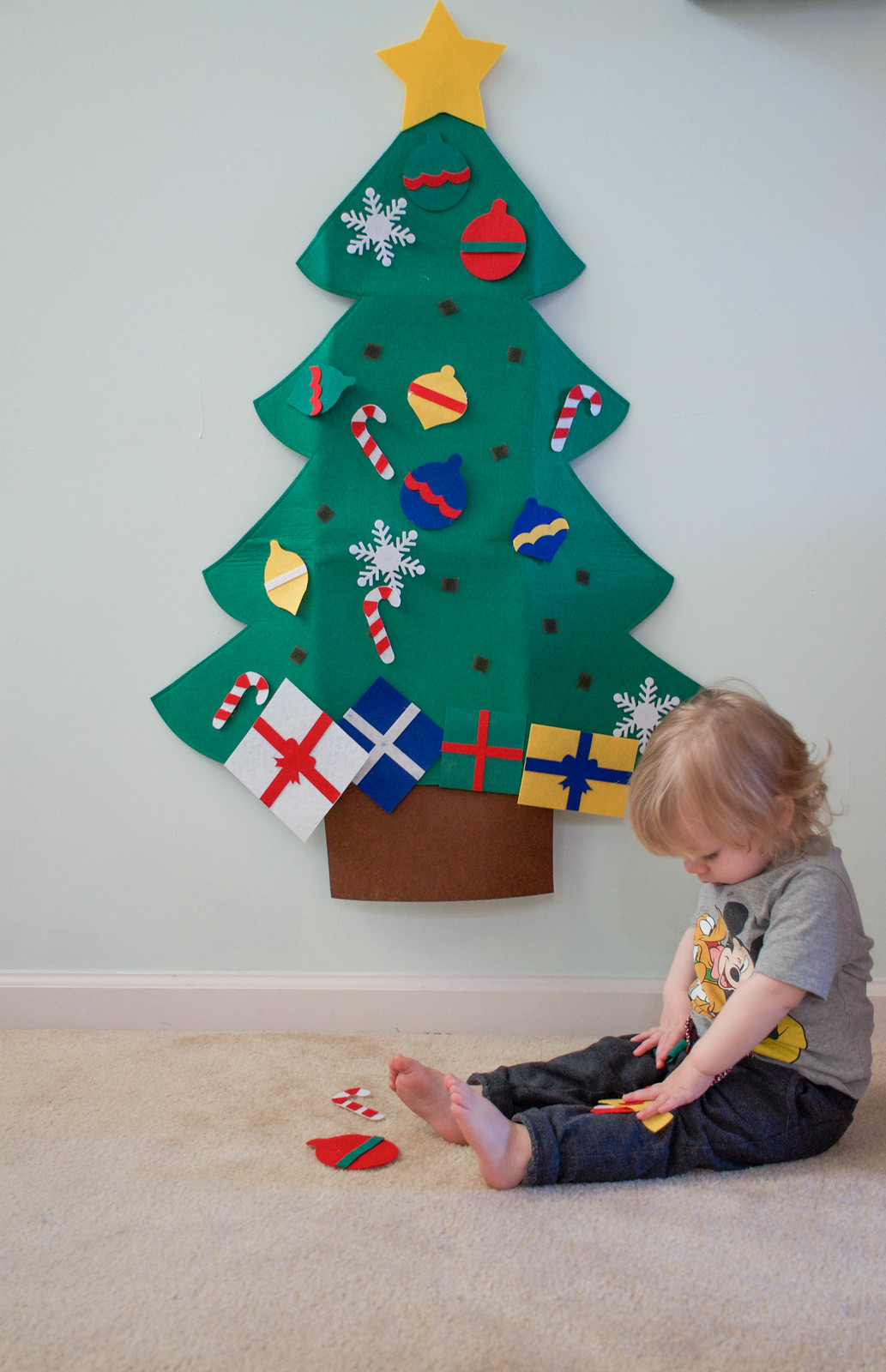 Kid Activities: Felt Christmas Tree