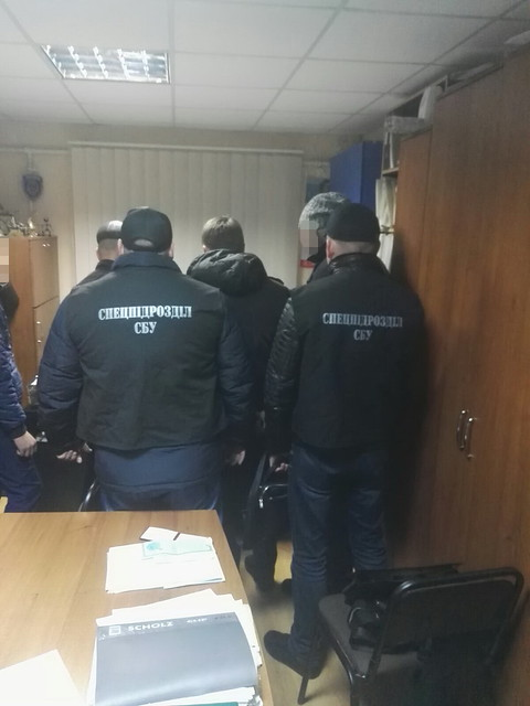 В Одесі СБУ затримала на хабарі працівника дозвільної системи поліції