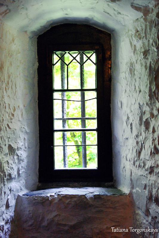Окно в хостле