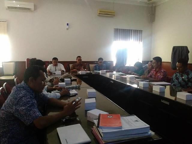 Suasana pembahasan RKB Pilkada 2018 di Kantor Bupati Tulungagung(24/11)