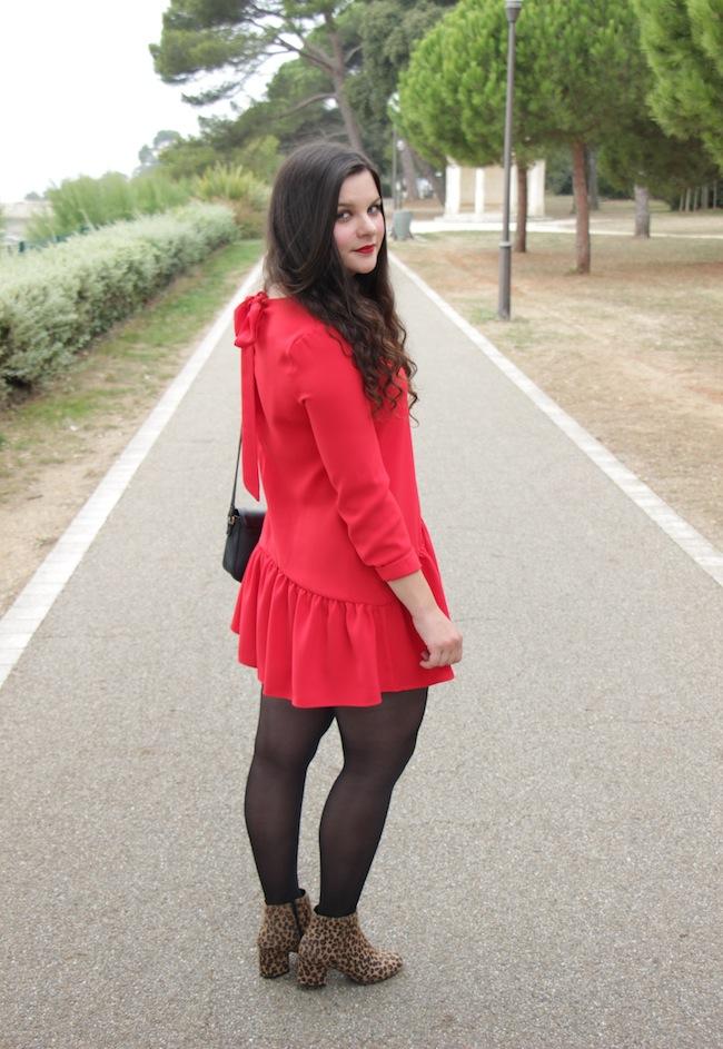 un_look_denfer_comment_porte_combishort_rouge_bottines_sixties_leopard_blog_mode_la_rochelle_4