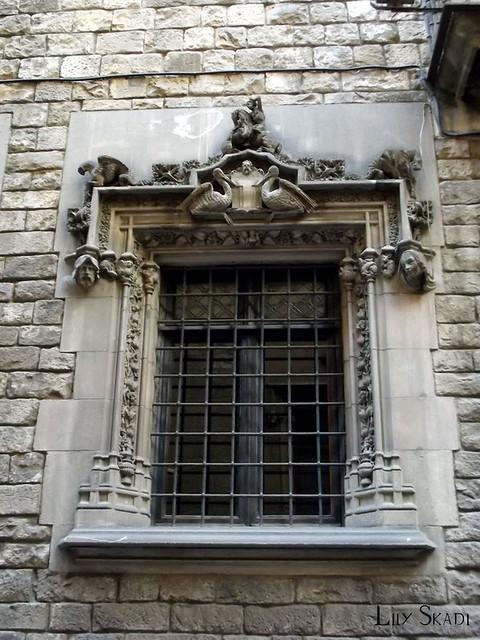 Carrer del Bisbe (Barcelona) 2