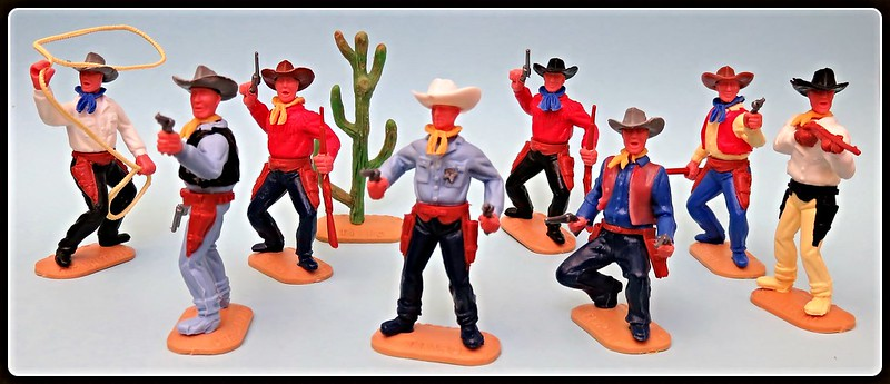Toy soldiers, cowboys, indians, space men etc 31410407935_0af0edd70b_c