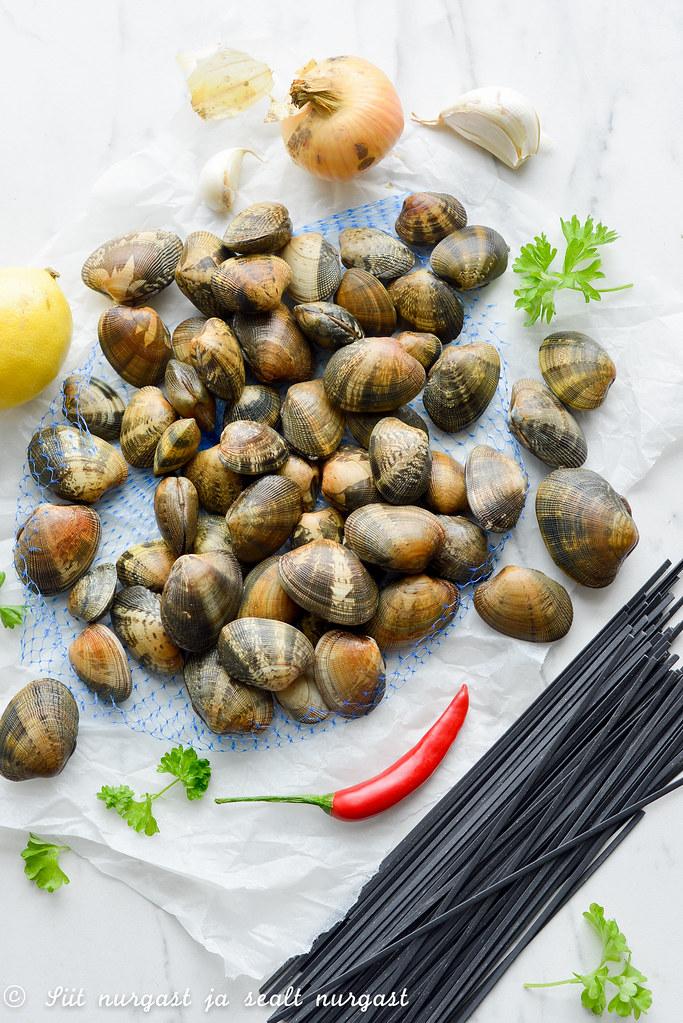 veenuskarbid (clams, vongole)