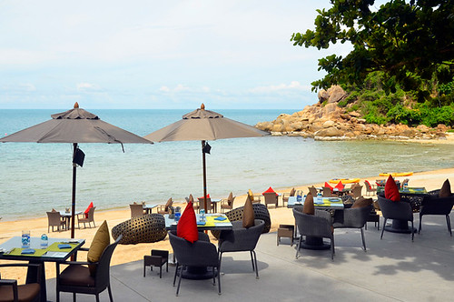 TH_Samui_Banyan-Tree_umbrella