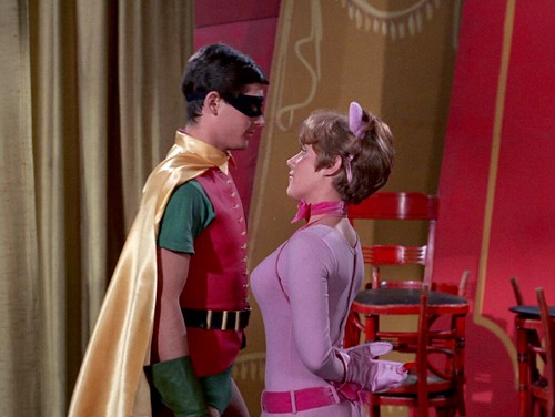 Burt Ward as Robin and Lesley Gore as Pussycat